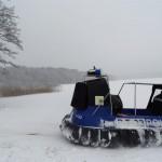 Kierowcy jeżdżący po jeziorze Ukiel ukarani mandatami