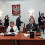Przewodniczącą rady powiatu olsztyńskiego uratował 1 głos