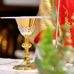 Kilkadziesiąt zabytkowych szat liturgicznych na wystawie w Piszu. Cenne zbiory diecezji ełckiej udostępniono po raz pierwszy. Najstarsze pochodzą z początku XIX wieku