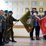Kombatanci z Elbląga podziękowali policjantom za odzyskanie sztandaru
