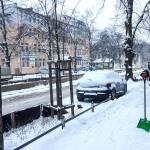 Zima nie odpuszcza! Ostrożnie na śliskich drogach i chodnikach!