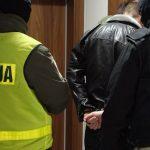 Policjanci z CBŚP rozbili gang przestępców handlujących tytoniem. Oszukali Skarb Państwa na ponad 144 mln