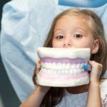 W gminie Elbląg dentyści zaczynają wracać do szkół. Pierwszy gabinet otwarto w Gronowie Górnym