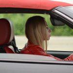 Około 7,5 miliona kobiet w Polsce posiada prawo jazdy. Panie jeżdżą mniej brawurowo i rzadziej przekraczają prędkość