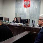 Nie dowiemy się, czy były dyrektor Izby Celnej w Olsztynie szykanował podwładnych. Sąd umorzył proces
