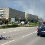 Potrącił rowerzystkę i uciekł. 21-letni kierowca nie miał prawa jazdy, w końcu zgłosił się na komendę.