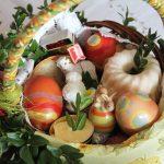 Wielka Sobota to czas wyciszenia, zadumy, ale też święcenia pokarmów. Co wkładamy do koszyczków?