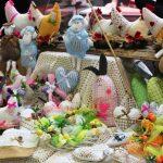 Świąteczne wypieki i warsztaty z ozdób wielkanocnych. W Olsztynku trwa jarmark