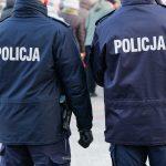 Policjanci zatrzymali kobietę, która wywołała fałszywy alarm bombowy. Rok wcześniej również postawiła służby na nogi