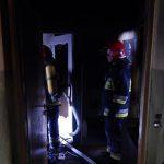 Przymusowy śmigus dyngus przy ul. Jaćwieskiej. Strażacy gasili płonące mieszkanie