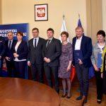 Kolejne samorządy dostaną pieniądze na inwestycje drogowe. W Olsztynie podpisano umowy na prawie 10 milionów złotych