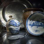 W Elblągu zaprezentowano katalog z porcelaną dalekowschodnią