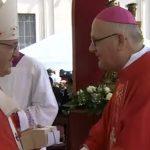Arcybiskup Józef Górzyński Metropolita Warmiński odebrał paliusz pobłogosławiony przez papieża Franciszka