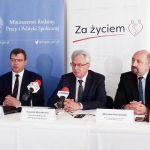 """Krzysztof Michałkiewicz: Program """"Za życiem"""" zawiera wiele form pomocy rodzinom z niepełnosprawnymi dziećmi"""