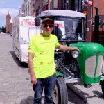 Traktorem przez Polskę. Podróżujący Ursusem Zygmunt Kuś dotarł do Elbląga. Teraz chce zwiedzić Mazury