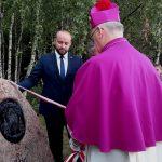 Na Trakcie Biskupim w Bałdach odsłonięto głaz upamiętniający arcybiskupa Metropolitę Warmińskiego Józefa Górzyńskiego