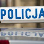 Był kompletnie pijany i nie miał prawa jazdy. 42-letni kierowca spowodował kolizję i próbował uciec