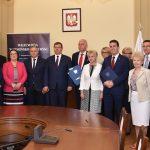 Prawie 2 miliony złotych dla 8 samorządów z Warmii i Mazur. Pieniądze zostaną przeznaczone na działalność domów i klubów seniora
