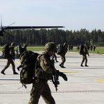 Odbili lotnisko w Szymanach z rąk przeciwnika.  Ćwiczenia Dragon 17 z udziałem Wojsk Obrony Terytorialnej. ZOBACZ FILM I ZDJĘCIA