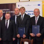 260 milionów złotych będzie kosztować modernizacja odcinka linii kolejowej Olsztyn – Działdowo. Dziś podpisano umowę z wykonawcą
