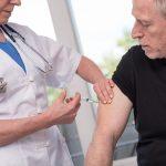 Bezpłatne szczepienia  przeciwko grypie w Olsztynie. Na seniorów czeka tysiąc dawek