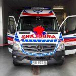 Nowy ambulans w elbląskim pogotowiu wyposażony jak mały OIOM