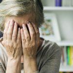 """Przemoc wobec osób starszych to wciąż temat tabu. """"Wiele osób przychodzi się wypłakać, ale nie chcą donosić na bliskich"""""""