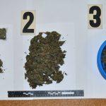W słoikach, miskach i reklamówkach ukrył prawie kilogram narkotyków