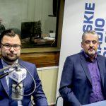 """Dwaj radni i dwie  opinie.  Łukasz Łukaszewski i Maciej Tobiszewski o strefie """"tempo 30"""""""