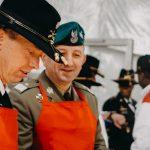 Dowódcy zaserwowali żołnierzom pieczonego indyka. Amerykanie i Polacy obchodzili  Dzień Dziękczynienia [ZDJĘCIA]