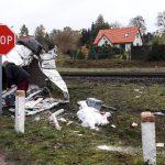 3 osoby lekko ranne w zderzeniu busa z pociągiem na niestrzeżonym przejeździe kolejowym