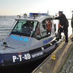 Giżyccy policjanci lepiej zadbają o bezpieczeństwo nad wodą. Komenda otrzymała nową łódź