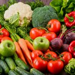 Jemy coraz więcej warzyw i owoców. Producenci alarmują, że brakuje rąk do pracy przy uprawach