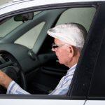 Nieostrożni seniorzy za kierownicą, czyli weekendowe wypadki na Warmii i Mazurach