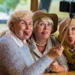 Liczba rencistów i emerytów stale rośnie. Naukowcy z kraju i zagranicy rozmawiali w Olsztynie o demograficznym starzeniu