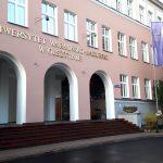 Uniwersytet oskarża profesora o straty w wysokości 2 mln 500 tys. zł. Sprawą zajął się sąd