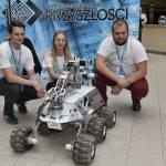 """Twórcy technologii przyszłości zjechali do Olsztyna. """"Piątki"""" przybijał gościom marsjański łazik"""