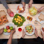 Właściwy jadłospis może zredukować ryzyko wystąpienia raka. Zobacz 10 składników diety antynowotworowej