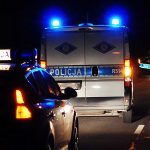 Jedna osoba zginęła w zderzeniu busa z samochodem osobowym na drodze 595 koło Barczewa