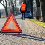 Wypadek w miejscowości Smykówko. Ciężarówka wpadła do rowu