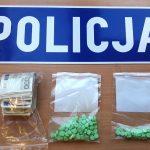 Tabletki ecstasy i marihuana. Narkotyki znaleziono w mieszkaniu 20-latki z Olsztyna