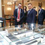 Prezydent Andrzej Duda otrzymał nowy pałac. To prezent od olsztyńskiej firmy