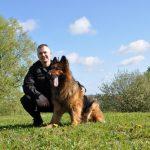 Po ośmiu latach pracy w policji przeszedł na emeryturę. Zeus tropił narkotyki