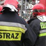 Trwa wyjaśnianie przyczyn pożaru w wielorodzinnym domu w Reszlu