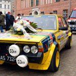 Koledzy i przyjaciele uczcili pamięć Mariana Bublewicza. Przejechali kolumną rajdowych aut ulicami Olsztyna
