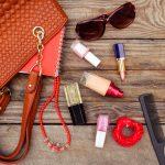 Na damskich torebkach jest więcej bakterii niż na deskach sedesowych