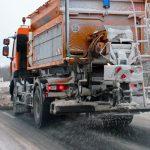 Opady śniegu w okolicach Morąga, Pasłęka i Olsztyna. Drogowcy apelują do kierowców o ostrożność