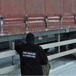 Rosjanin chciał wjechać do Polski tirem z nielegalną naczepą