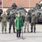 Zastępca sekretarza generalnego NATO odwiedziła międzynarodowy batalion w Bemowie Piskim