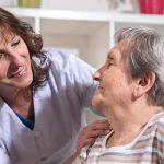 Ministerialne stypendium ma powstrzymać pielęgniarki przed wyjazdem za granicę